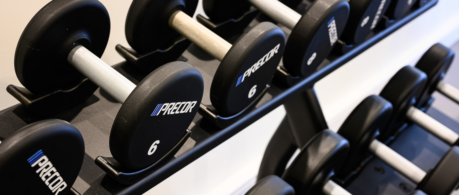 Fitness weights at PREMIER SUITES PLUS Antwerp