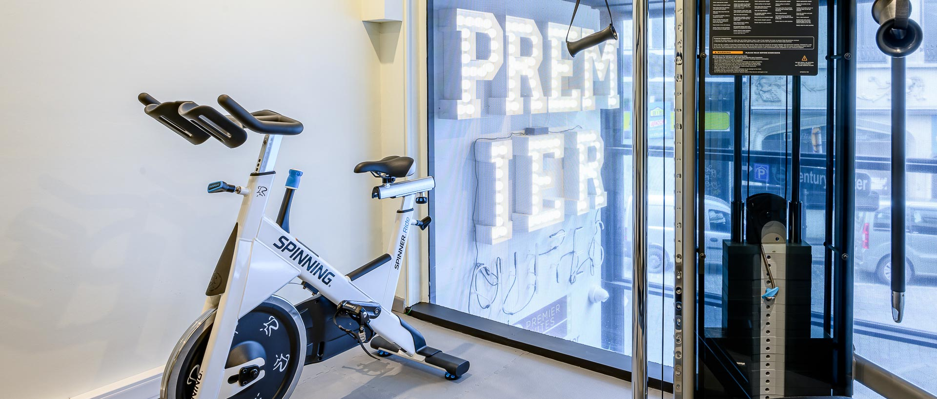 Fitness room in PREMIER SUITES PLUS Antwerp