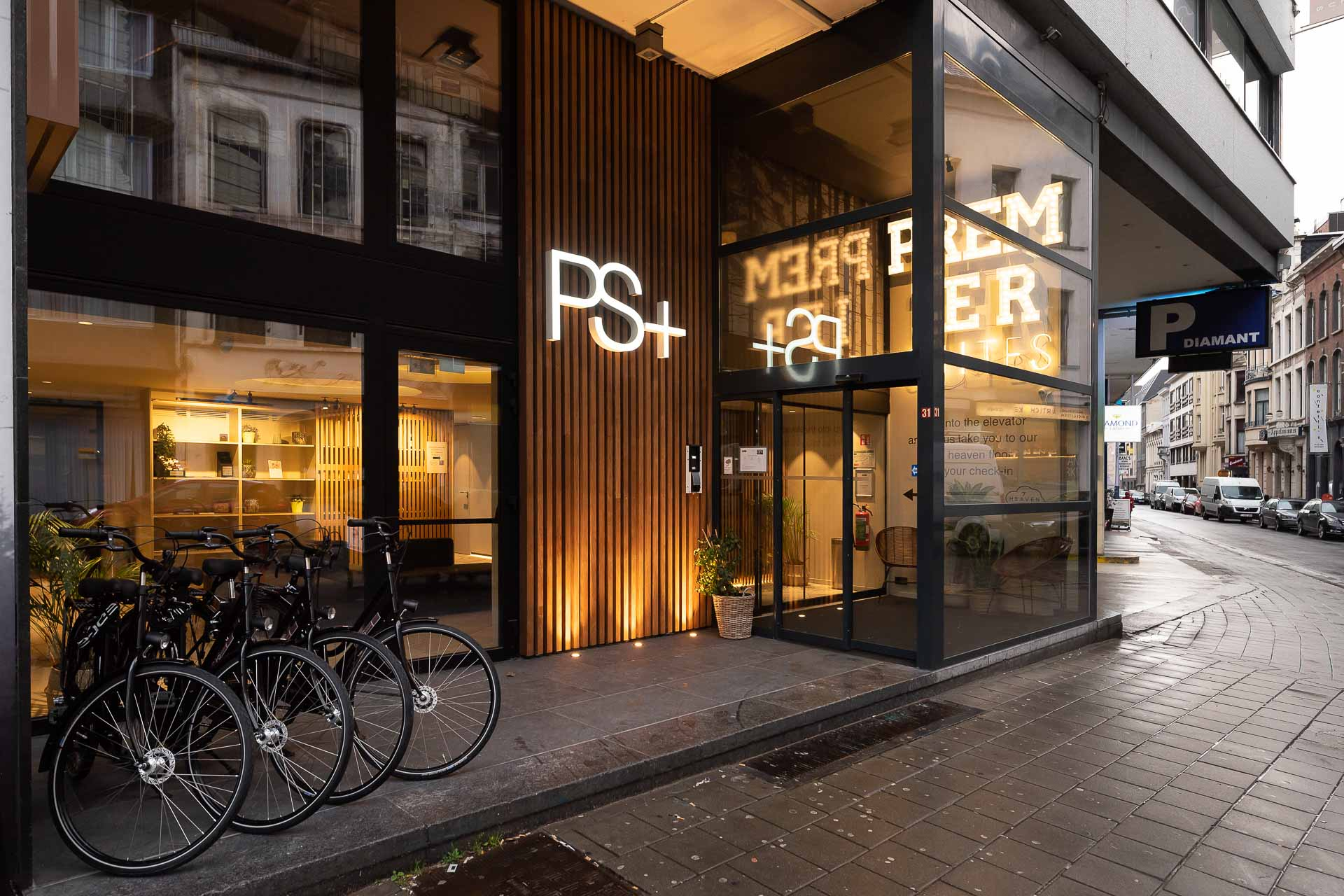 Front entrance of PREMIER SUITES PLUS Antwerp